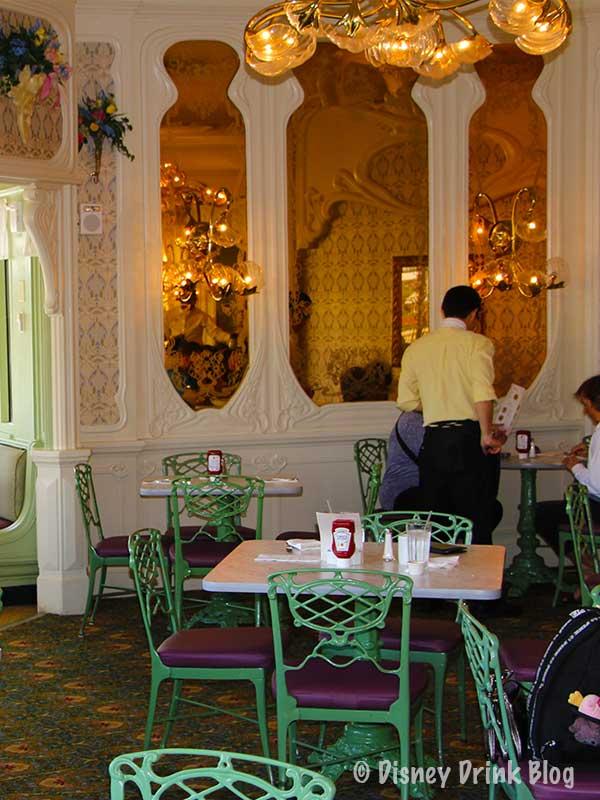 Magic Kingdom Plaza Restaurant Review
